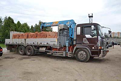 Перевозка кирпича манипулятором в Нижнем Новгороде