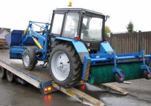 Перевозка трактора тралом